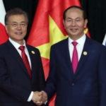 [시사] 문(文) 베트남에 '마음의 빚' 졌다. 베트남전 참전 사과 메시지 보내.