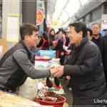 [포토] 의리의 김진태 의원 구미 새마을중앙시장 방문