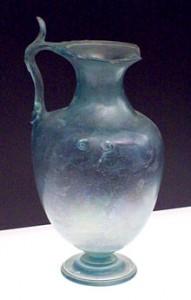 220px-Roman_glass_hydria_from_Baelo_Claudia_(M.A.N._1926-15-287)_01