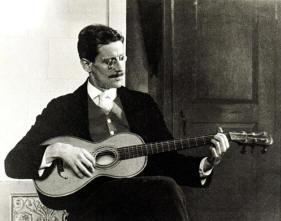 Joyce guitar