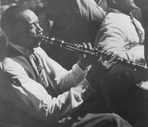 George_Lewis_clarinet_fingers_Kubrick_1950
