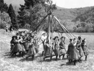 a may pole kentfield