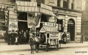 vaudeville-wagon