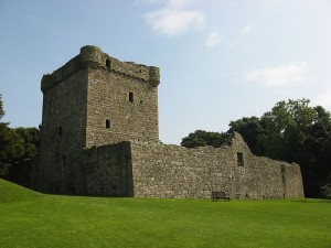 800px-Lochleven_west_wall