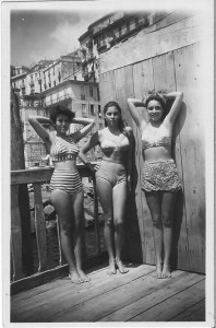 1940s_girls_in_bikinis