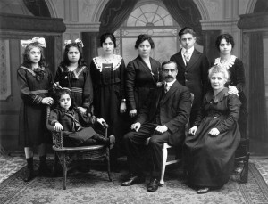 dark eyed family