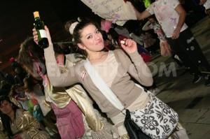 patras-carnival-annual-night-parade-2013_1878936