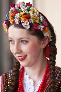 139811901-poland-cracow-polish-girl-in-traditional-gettyimages