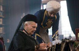 Image of Judi Dench and Ali Fazal in the movie Victoria and Abdul