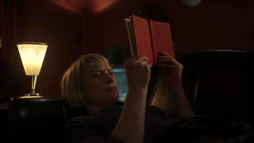Mia Wasikowska in Piercing (2018)