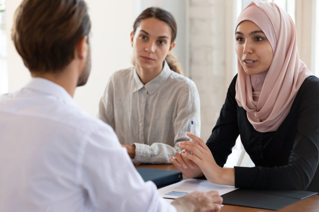 Muslim woman with HR recruiter - first impressions