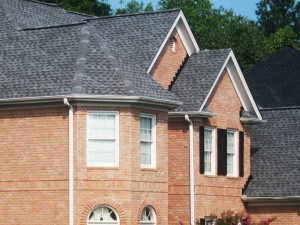 Atlanta home with grey shingles by atlantaroofing.com