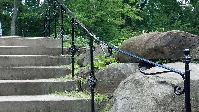 E17 Exterior Basket Weave Handrail