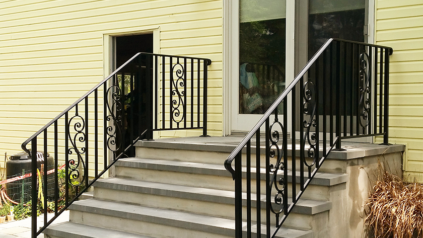 E9 Exterior Iron Railing With Inserts