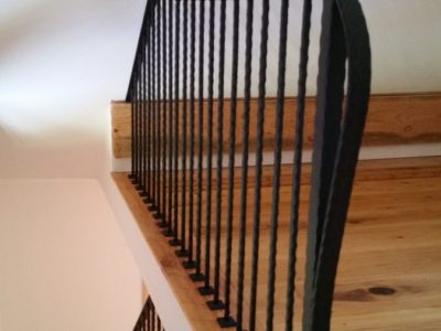I2 Interior Hammered Iron Material Pickets Into Floor Railing