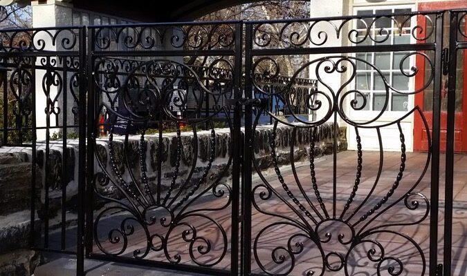 EG2 Decorate Iron Gate