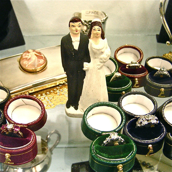 vintage jewelry - vintage engagement rings alt