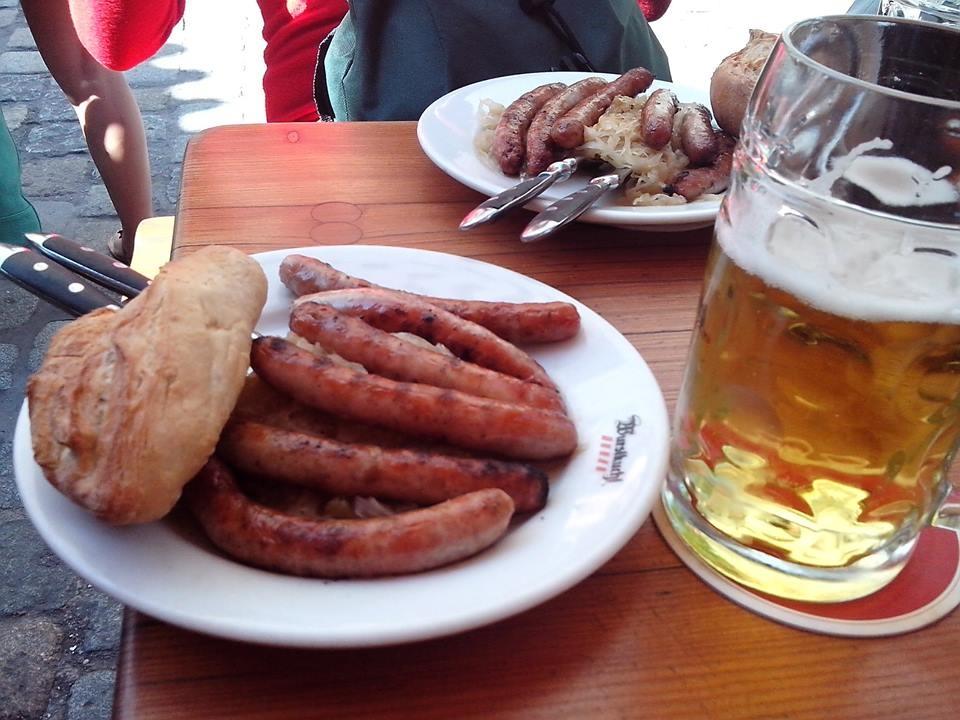Баварские сосиски и пиво