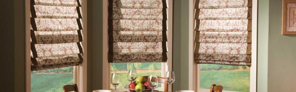 Beautiful-Custom-Home-Kitchen-Blinds