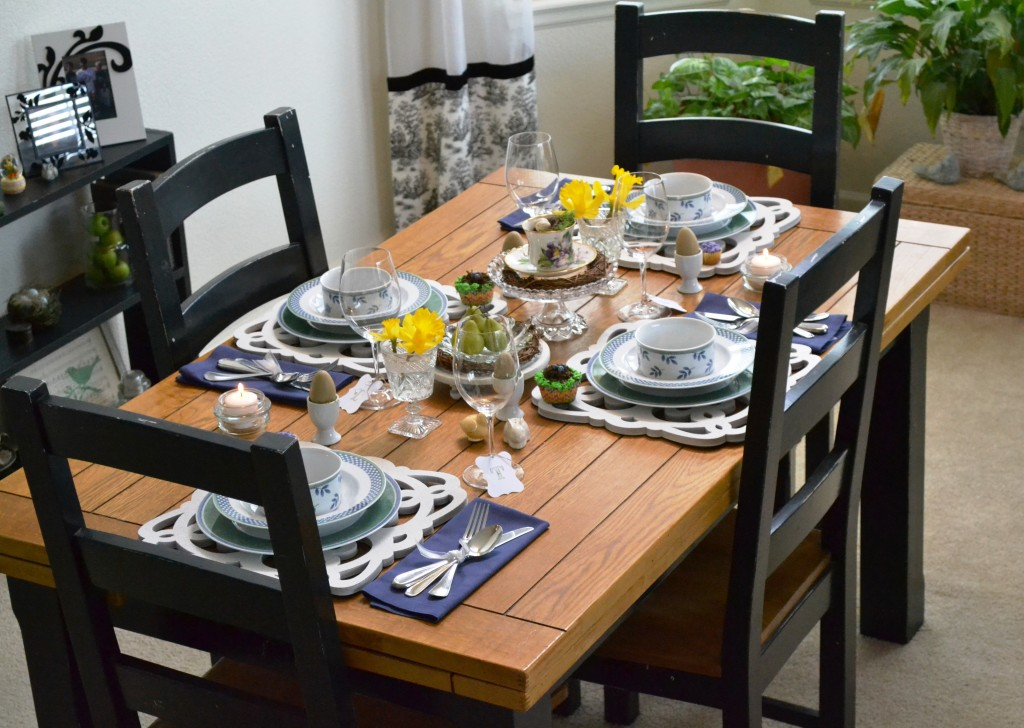 An Easter Table Setting with DIY Plate Chargers from thehousedownthelane.com. #DIY #Easter #TableSetting #Spring