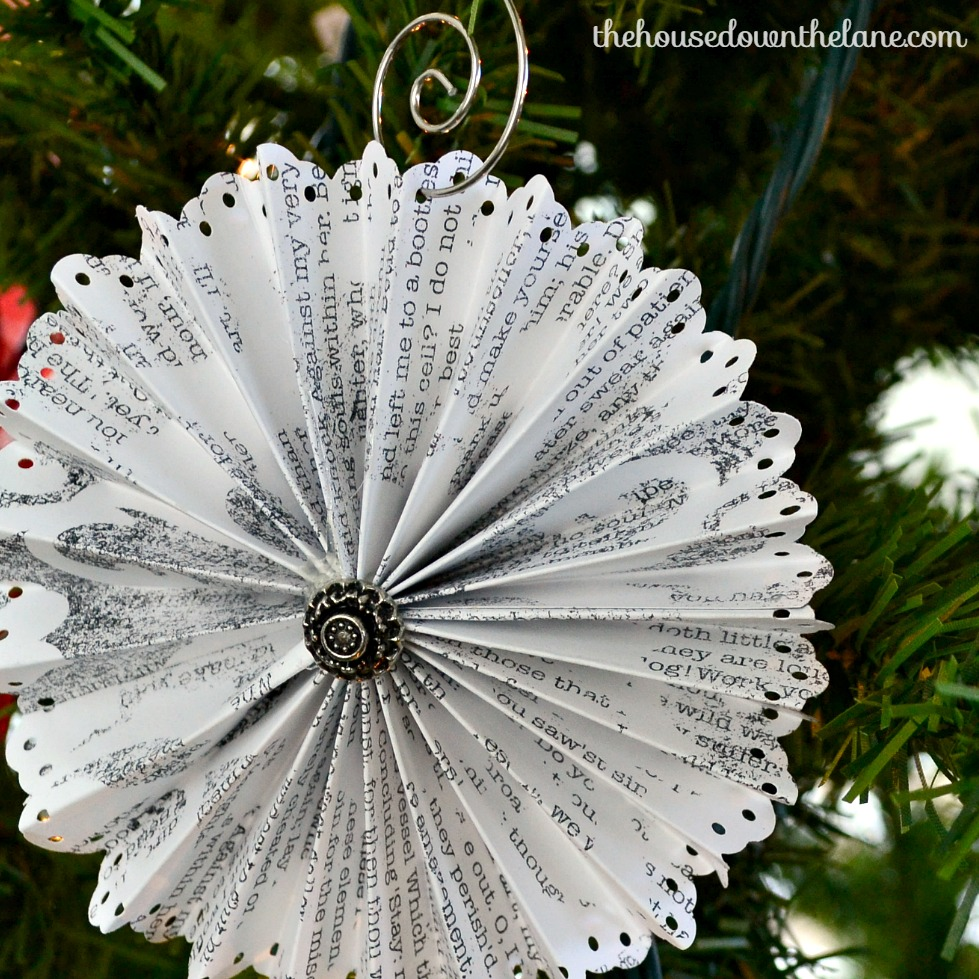 Welcome to Day 1 of the Holiday Craft Party! Today is all about ornaments! I drug out my much-beloved scrapbook paper, and got busy making DIY Medallion Christmas Ornaments! I'm sharing the tutorial on the blog!   The House Down the Lane