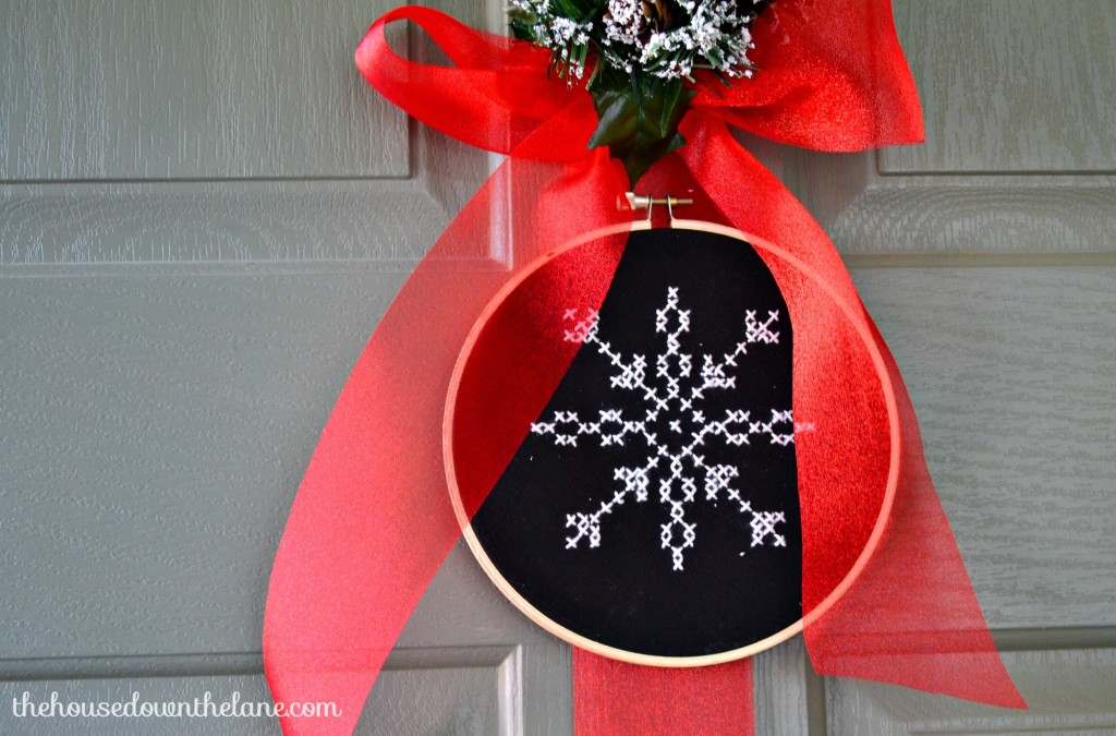 DIY Snowflake Door Hanger with Embroidery Hoops | The House Down the Lane