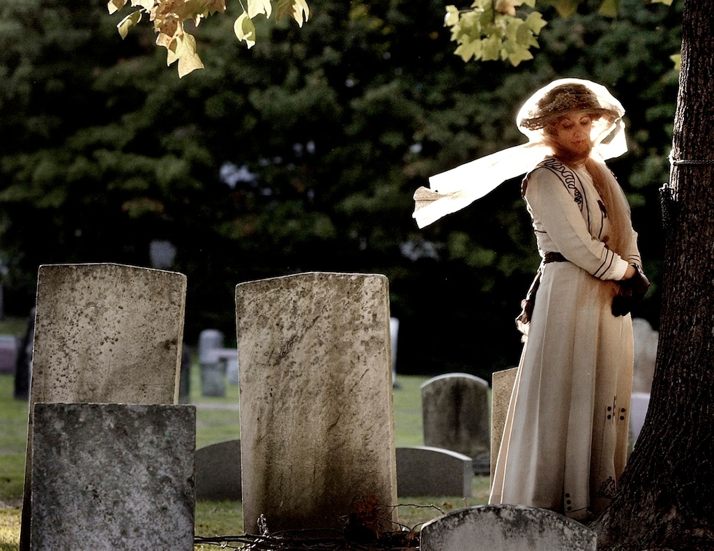 Veiled Lady of Kirtland portrayed for tour of historic cemeteries