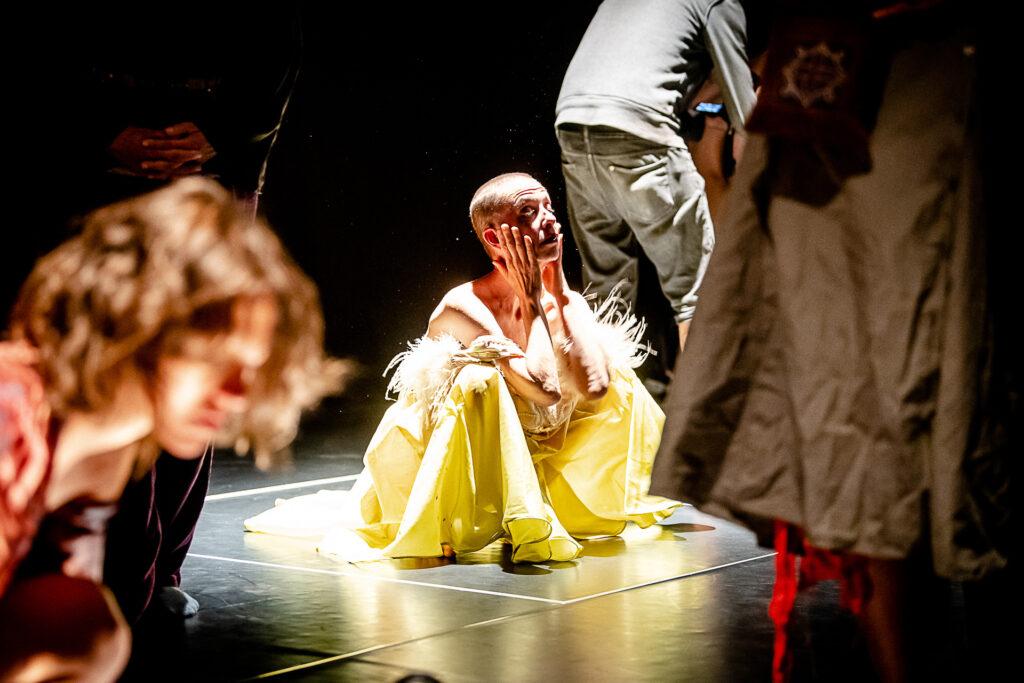 Fremd-Ist-Dein-Kleid-Constance-Humphries-5