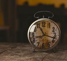 https://www.pexels.com/photo/time-alarm-clock-alarm-clock-100733/
