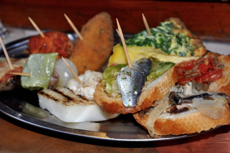 Venice: Cicchetti Dishes and Wine Bar with a Local