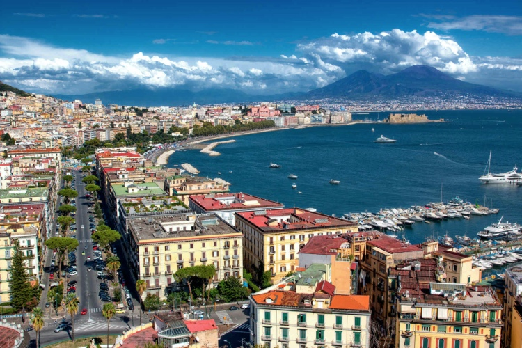 Naples walking tour & underground ruins