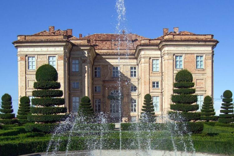 Castello di Guarene - Guarene (Langhe region) 🔝