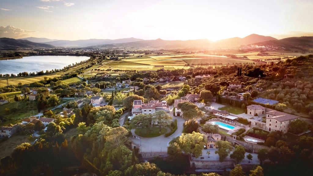 Borgo dei Conti - Monte Petriolo (Perugia area)