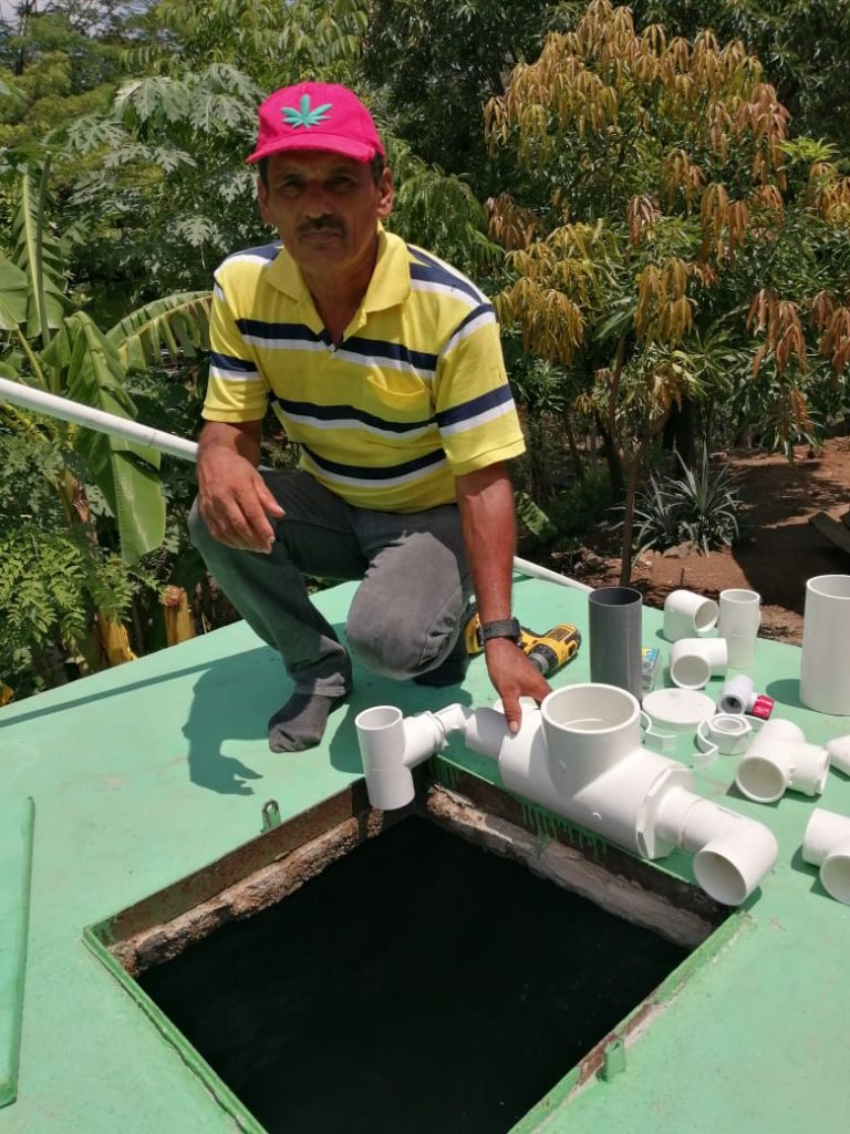 Installing chlorinators in El Sauce2