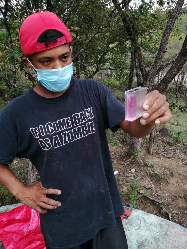 Installing chlorinators in El Sauce3