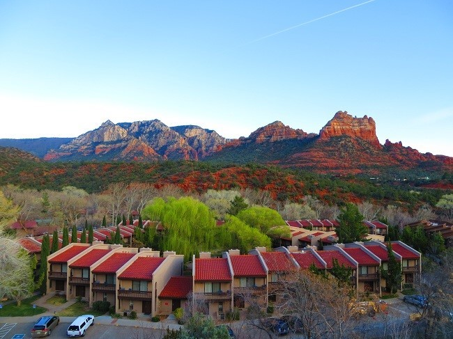 This looks like a cool place to stay when in Sedona.  I think the view would be lost being down the hole though.