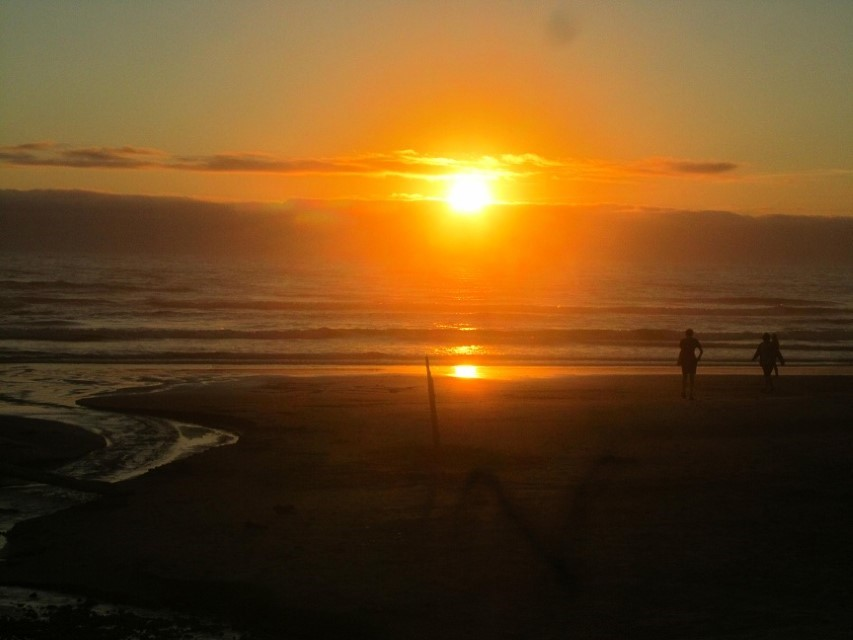 We found a sunset, they are so cool! Wish it was not so cold here, I could hang out on the beach all night, except the day wore me out big time, and did I mention, it is cold here.