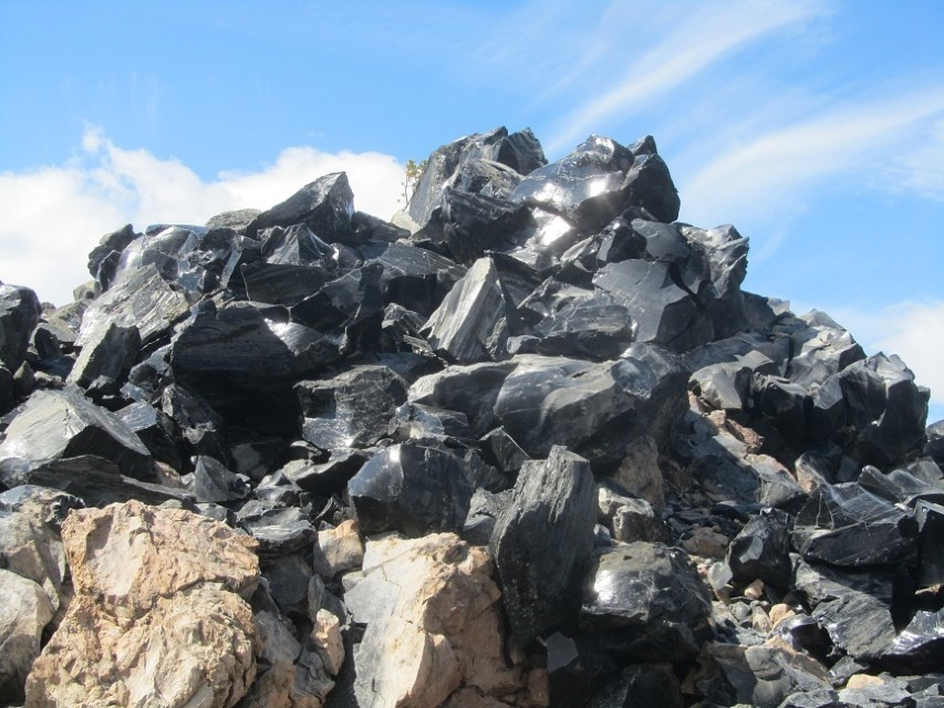 A pile of Obsidian