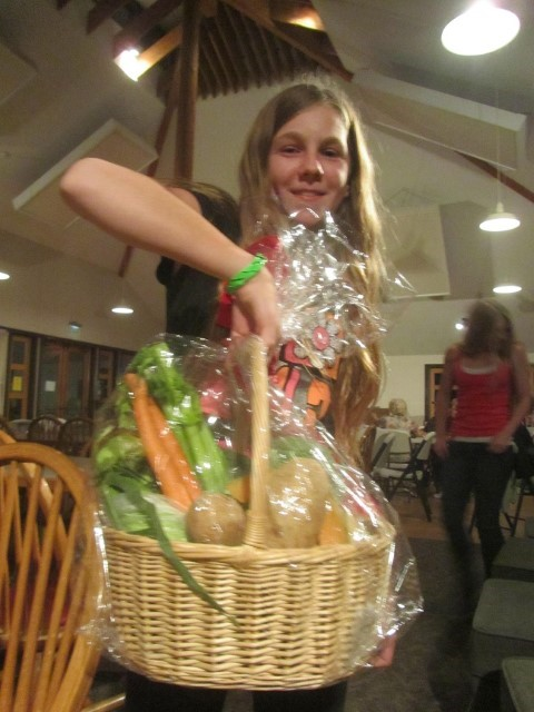 The next day, we woke up in time for the 7pm Bingo Game here at The Bend Sunriver Thousand Trails park. Sarah won the game, and Got a basket full of vegetables. I think this is Gods way of telling her what she needs in her diet. :)