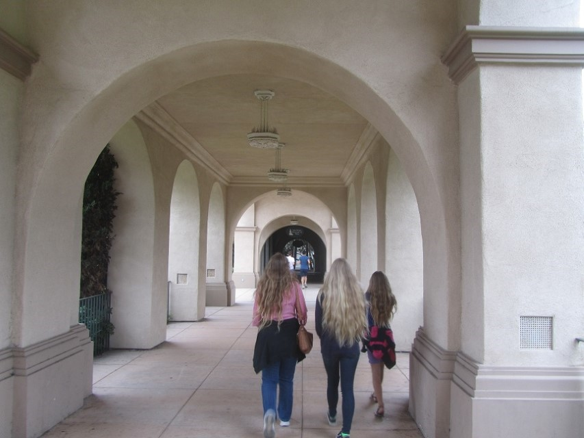 Back out doors, we walk the hollowed halls to the art museums. (Yes, the halls truly are hollow, and less than ornate)