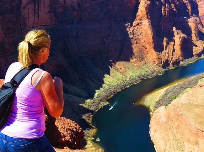Mindie is showing us how to take photos of deep canyons