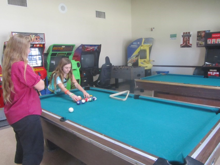 Sarah and I are not dissapointed, they let her use the pool tables. Sarah and I are back to our regular game of pool. Good evening and Good Night….   Have a happy new year! Thanks to everyone for all the great Christmas gifts, we may not have mentioned them all, but we loved them all.