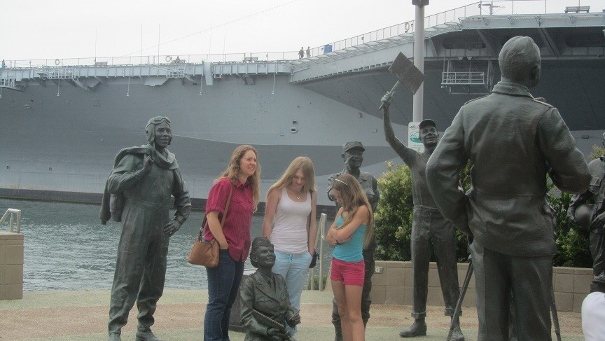 Athena and the girls join the ranks to listen to Bob Hope. Still can't believe he is gone.