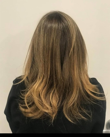 Women balayage haircut