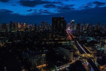 Bangkok at Night shot with Samsung NX1 16-50mm f/2 OIS Lens
