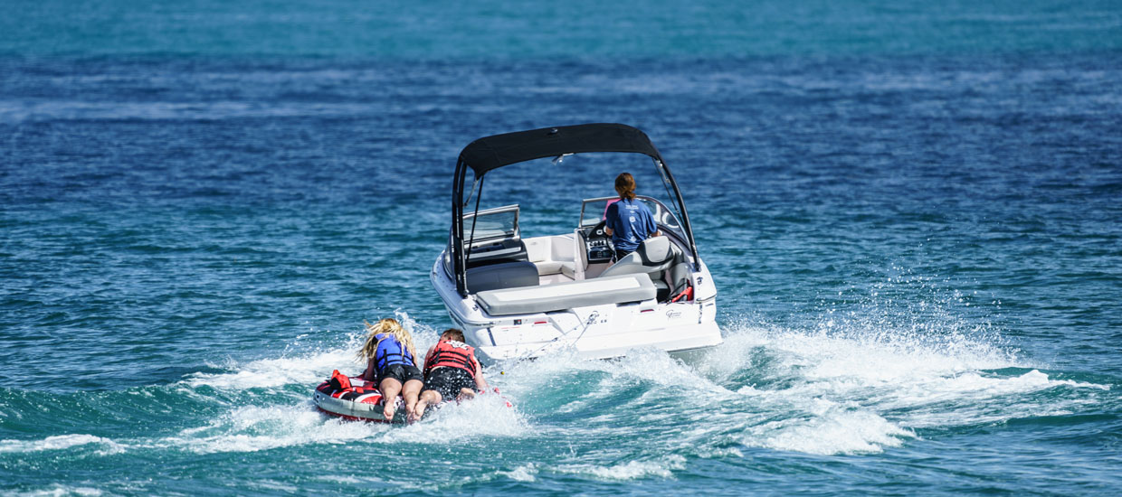 Boating on Bear Lake in Utah and Idaho boat rentals.