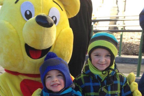 Haribo bear with kids