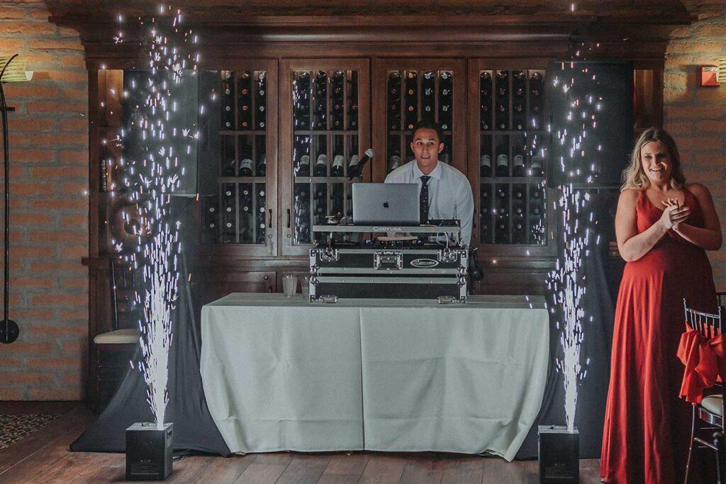cold spark effect for weddings in Arizona at the Verrado Golf Club