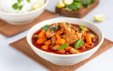 Easy Healthy Coconut Chicken Curry