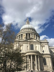 St. Paul's Cathedral in London - kktravelsandeats